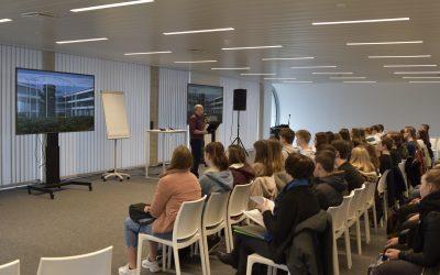 Leerlingen Agnetencollege Peer leren over economische meerwaarde van drones