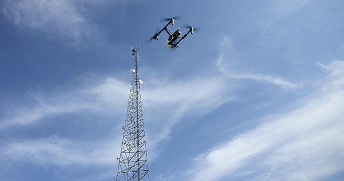Draadloos communiceren met je drone: kiezen voor Wi-Fi of 4G?