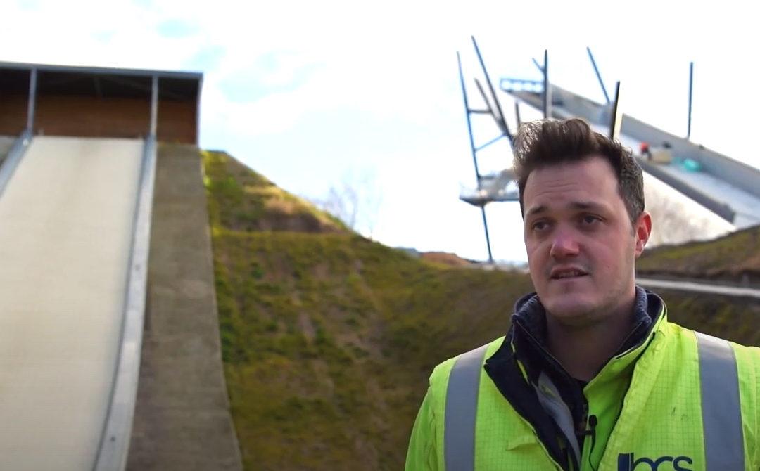 Herbekijk het digitale werfbezoek aan de skischans in Genk